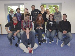 Die HEP-U und ihre Klassenlehrerin Daniela Hölscher verbrachten Orientierungstage im SMMP-Kloster in Bestwig. Foto: SMMP